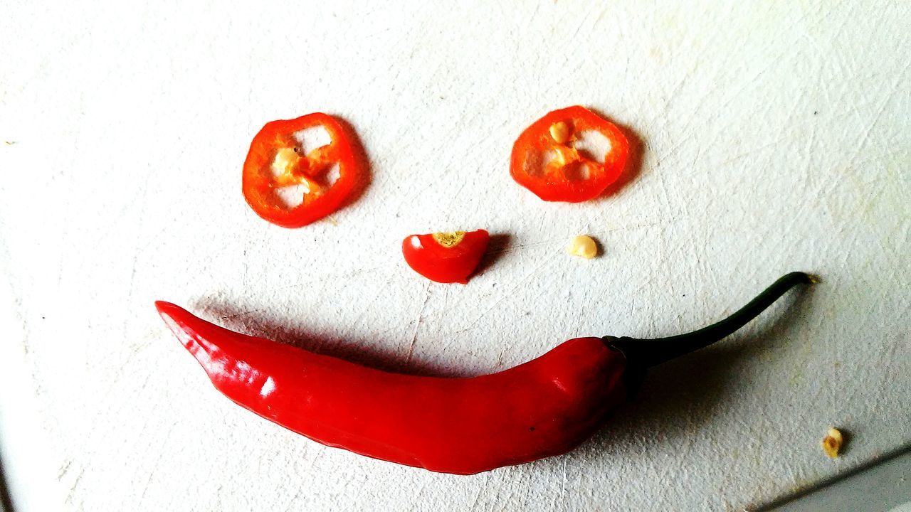 Anthropomorphic Smiley Face Creativity Anthropomorphic Face Healthy Eating Human Representation Red Happiness Love Close-up Freshness No People Smiley Face Indoors  Smiling Togetherness Ready-to-eat Day Pimenta Bestshot Green Color Chili Pepper Red Chili Pepper Peppers EyeEm Best Shots EyeEmbestshot