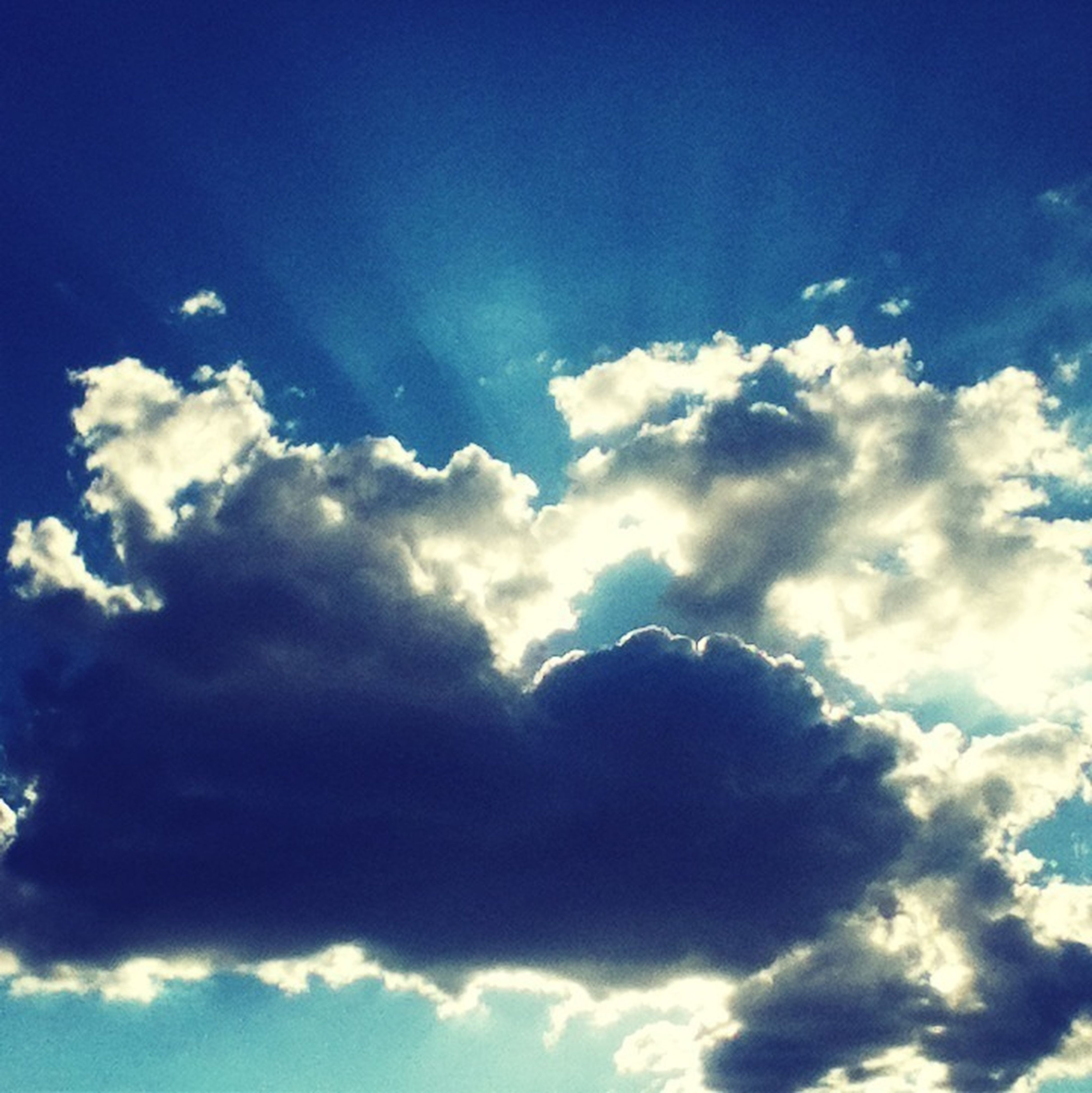 blue, low angle view, sky, sky only, beauty in nature, cloud - sky, scenics, tranquility, nature, cloudscape, tranquil scene, cloud, backgrounds, cloudy, idyllic, majestic, fluffy, white color, full frame, outdoors