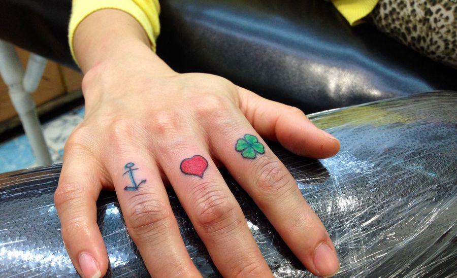Detalles pequeños, para grandes Fans del estudio !! Tattoo Tatuaje Corazón Trebol