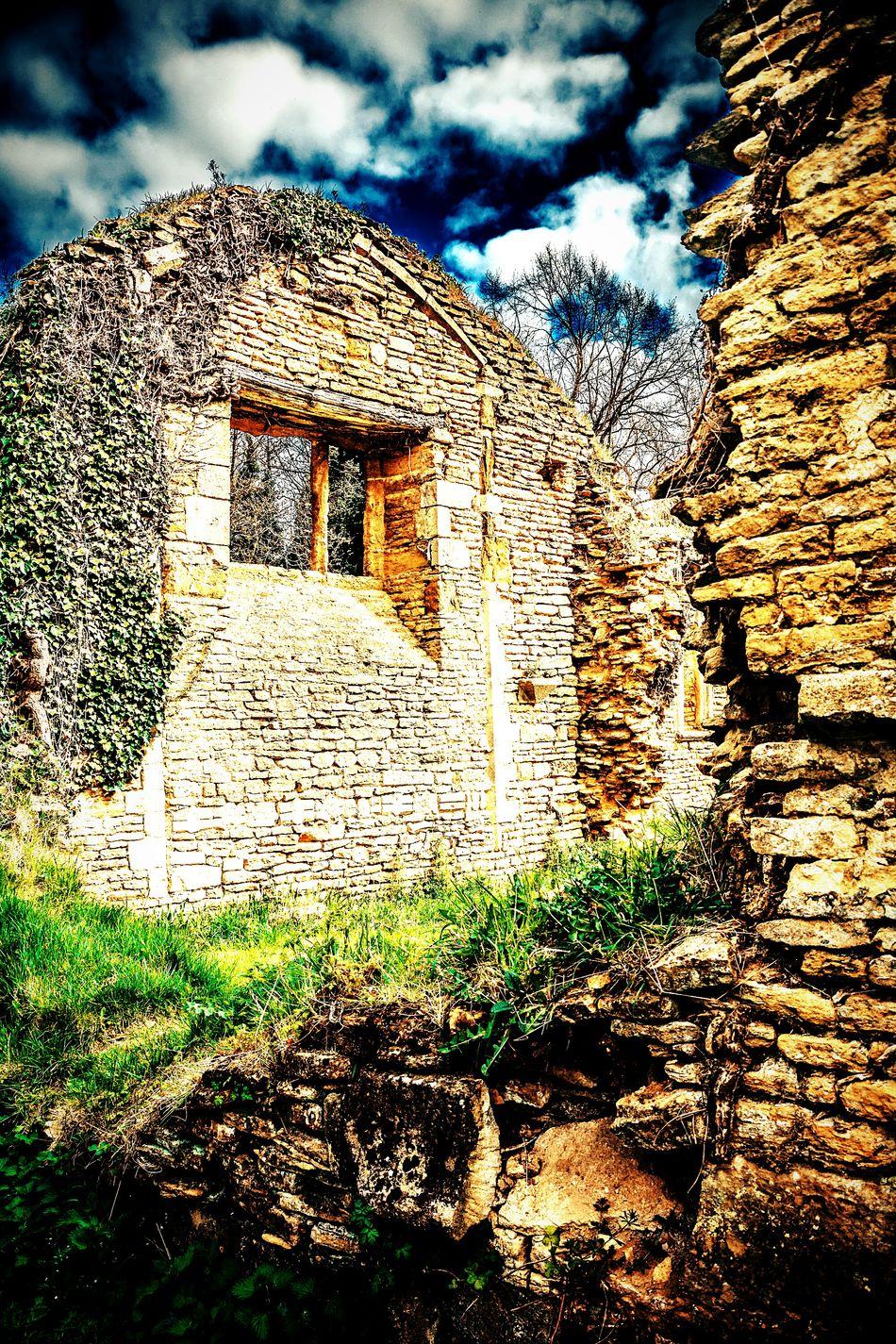 Ruins of St John's Old Church, Boughton, Northamptonshire. Uk Church Ruin Ruins Boughton Northamptonshire Blue Sky Walls