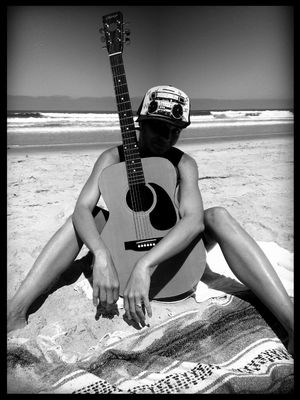 guitar in La jolla by §hërRôÐ