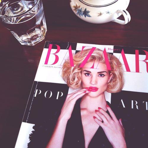 Waiting, reading.. TPOL Waiting Model Mag