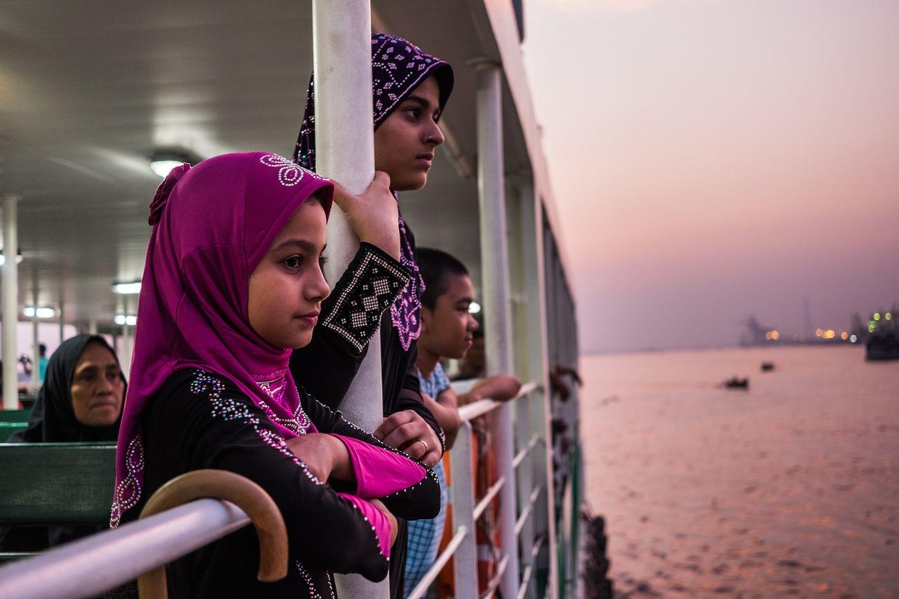 Goodbye 2016 Burma Birmania Myanmar Togetherness Family Females Asian  Muslim Boat Ferry Street Photography Streetphotography Fujifilm Fuji X-T1