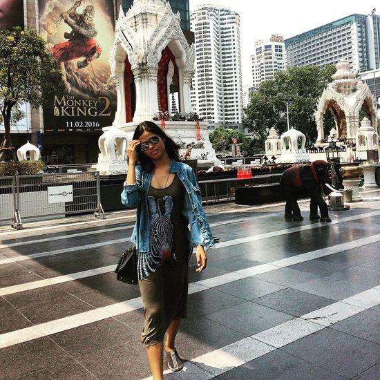 Traveling Bkk Thailand Summer Enjoying Life Friends Mlife Walking Around Style Simple Photography