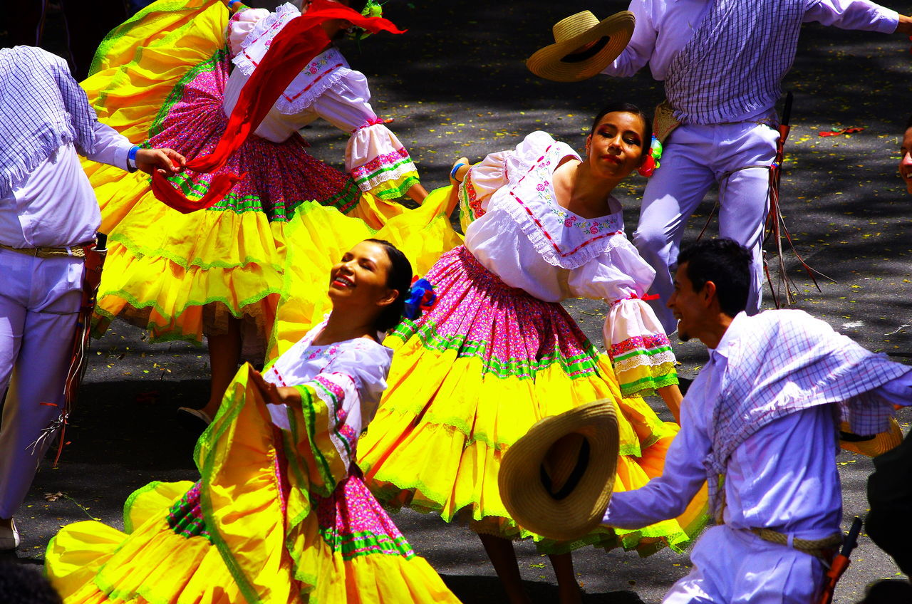 Carnival Crowds And Details Colombia Costumes Cultures Dances Folk Smiling Tradition Young Adult