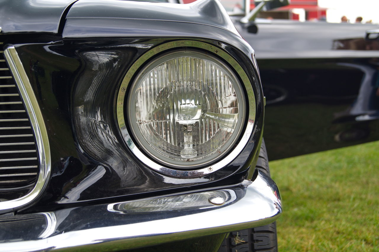 transportation, headlight, mode of transport, land vehicle, car, vintage car, outdoors, day, old-fashioned, close-up, focus on foreground, retro styled, vintage, no people, nature