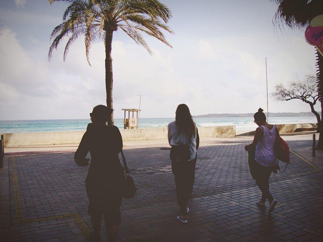 Mallorca España Footballgirls Sun FootballCamp Hanging Around