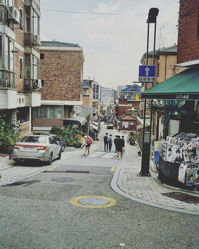 Streetphotography Street Photography Check This Out Hanging Out Seoul Korea ASIA Nikon Nikonsquad Impressionism City Cityscape 35mm Ishootfilm Filmisnotdead Staybrokeshootfilm Kodak