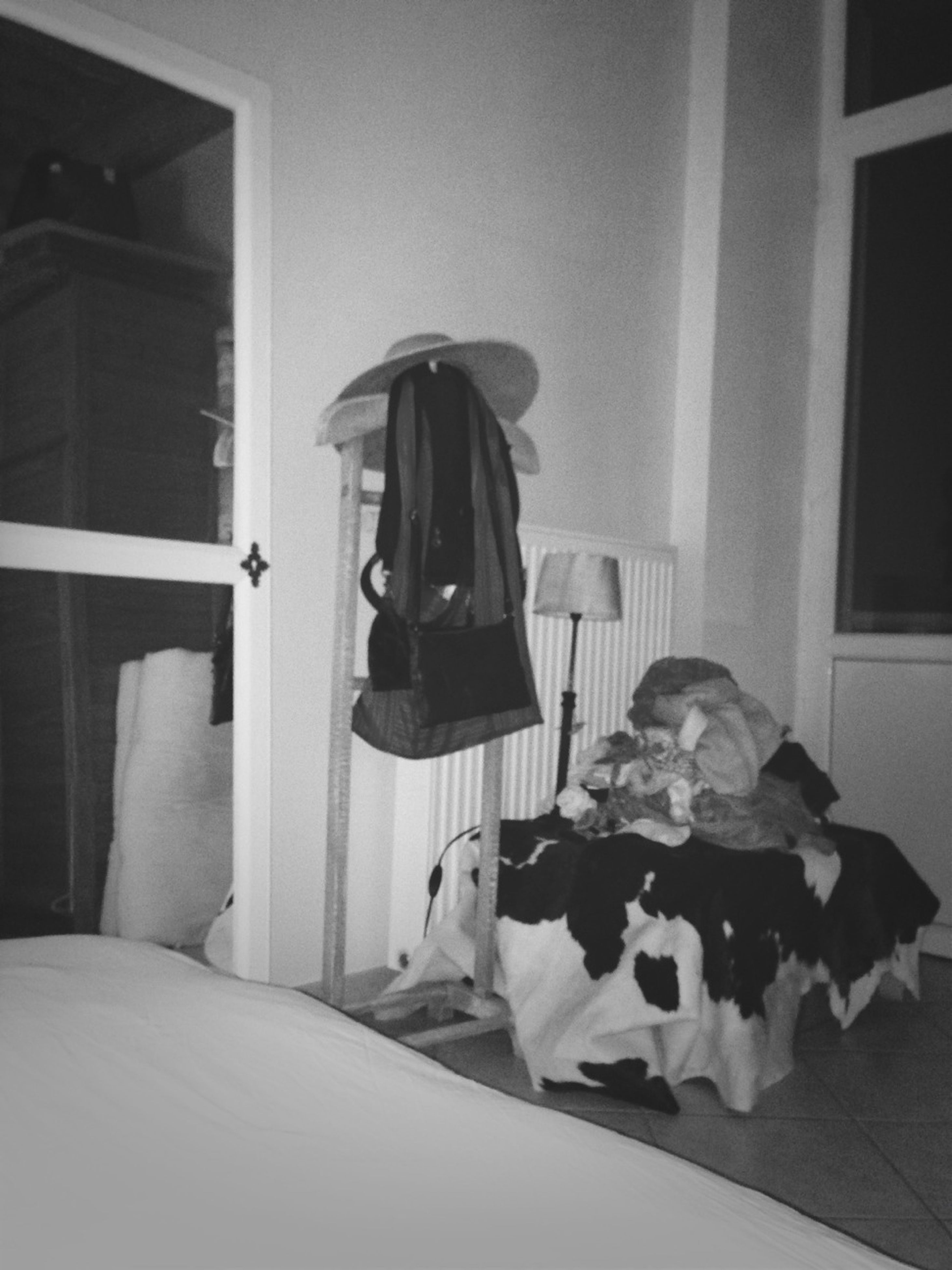 indoors, home interior, table, bed, domestic room, bedroom, chair, house, window, home, sofa, living room, sunlight, no people, still life, day, domestic life, absence, pillow, sitting