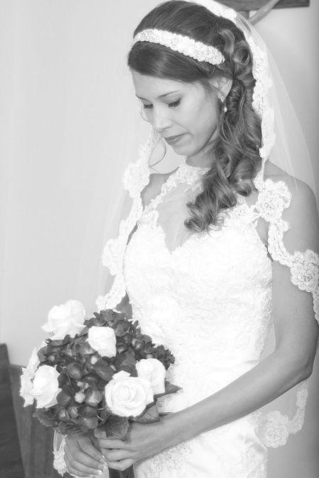 Bride and her flowers. Love Wedding Photography Beauty Portrait Fortcollins Colorado Blackandwhite OpenEdit EyeEm Best Shots