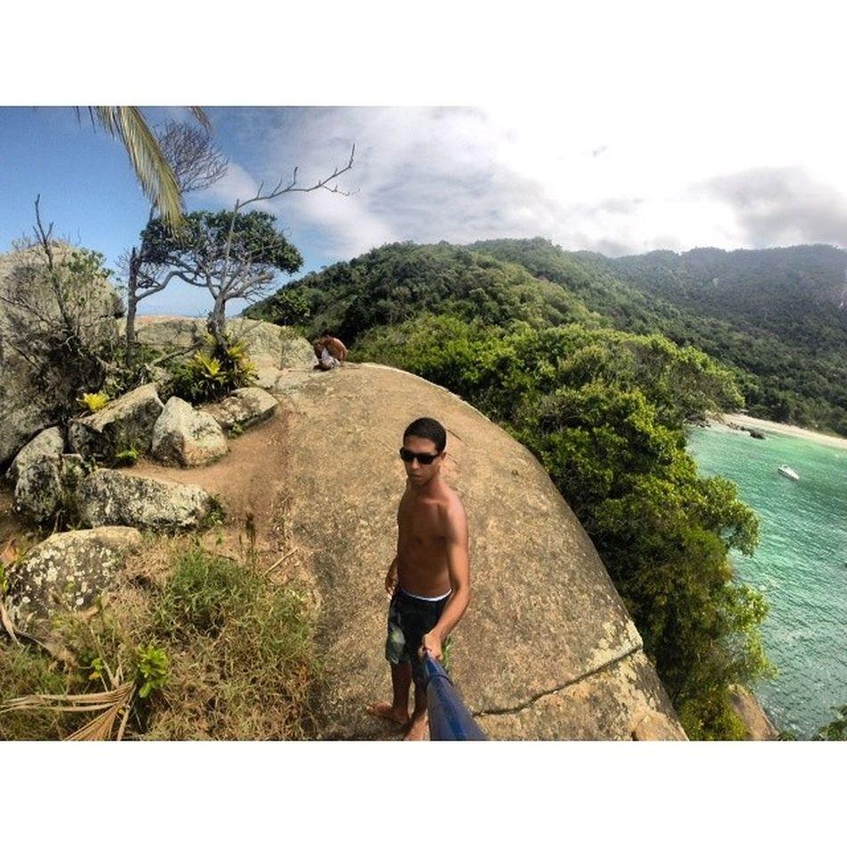 A natureza fica livre pra manifestar, sol aquece o coração ... RJ Gopro Hero3 Trippics Goprobrsl Blogmochilando Paradise Praiadoaventureiro Misteriosaatração