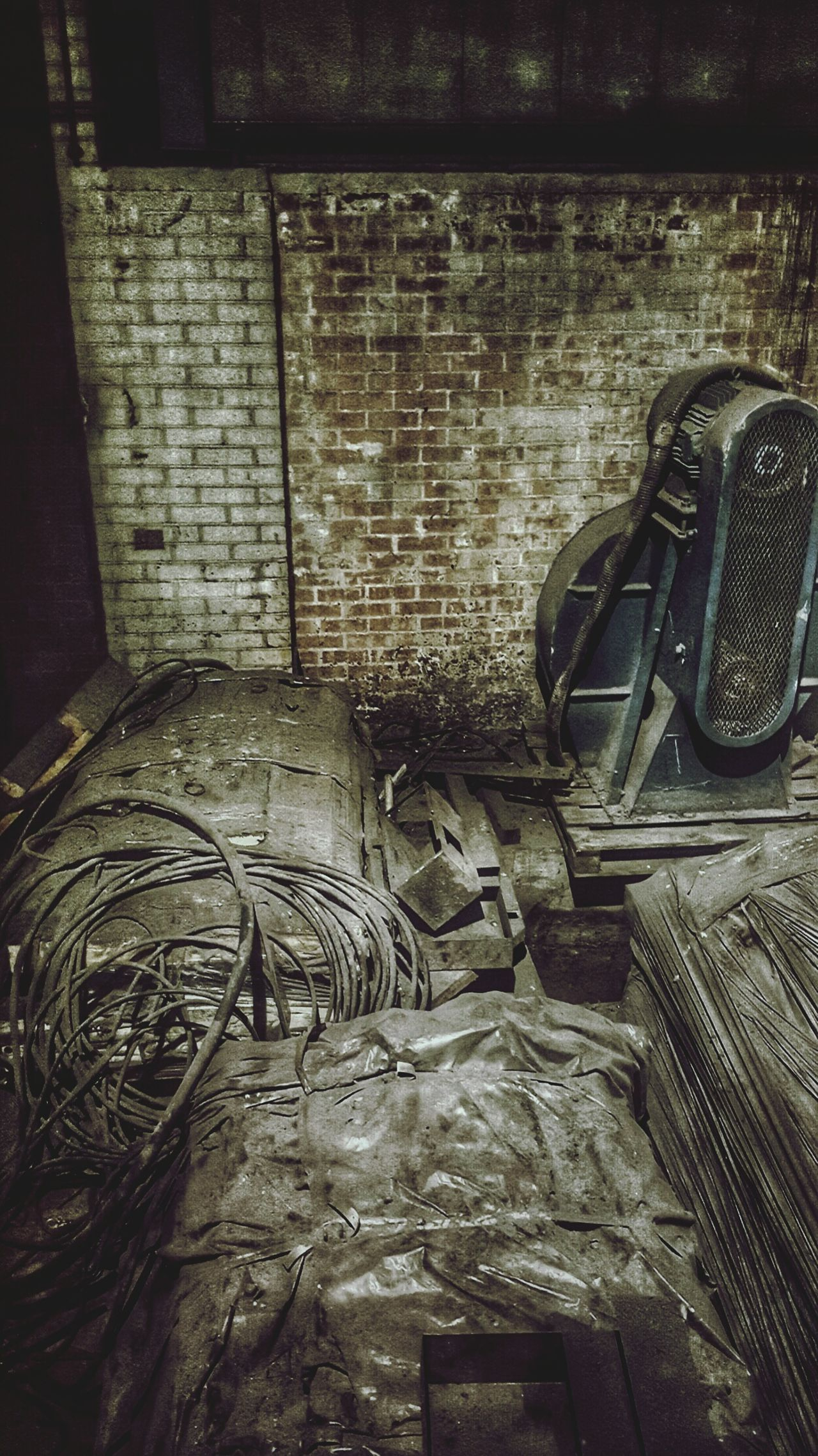 No People Textured  Indoors  Close-up Backgrounds Day Industrial Industry Old Old Buildings Bricks Photograpy Motor Cables Edit Work Dust Dusty