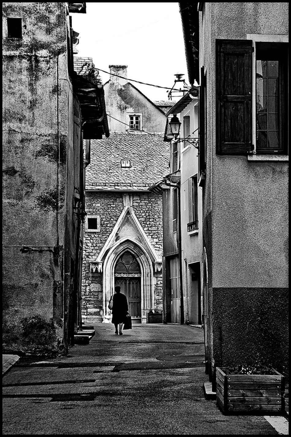 Black & White Black And White Blackandwhite City City Life Old Street Street Photography Streetphoto_bw Streetphotography