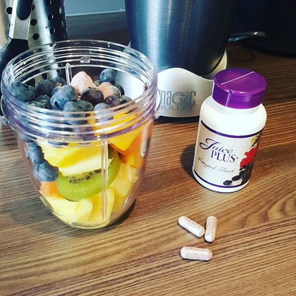 Happy and healthy life what more can you wish for! 😉 Onesimplechange Oscgrancanaria Juiceplus Nutribullet Nutribulletuk Bilberry Blackberry Blueberries Grapes Elderberry Raspberry Cranberry Redcurrant Blackcurrant Greentea Gingerroot Pineapple Mango Kiwi Melon Cleaneating HealthCoach TheHealthMentor Healthychoices Energy yummy yum delicious