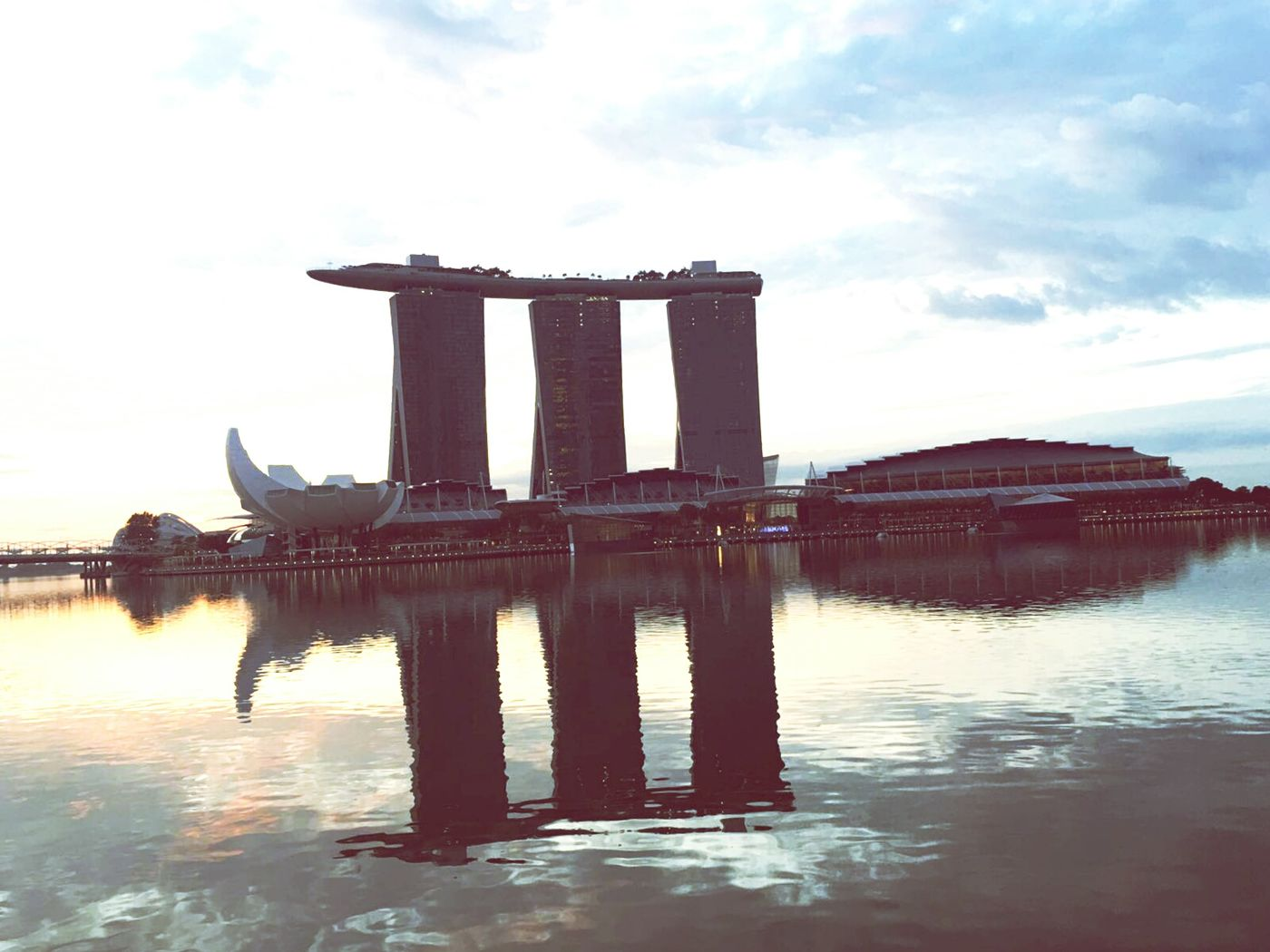Sigapore Reflection Architecture Travel Destinations Travel Sky City Cloud - Sky Built Structure Outdoors Business Finance And Industry No People Sunset River Water Building Exterior Bridge - Man Made Structure Day Nature