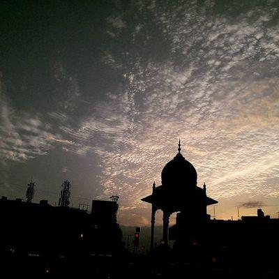 Beautiful feeling at Urs road traffic signal Sunset Traffic Instatravel Crazyclouds Clouds Mysore Mysorediaries Mysurumemes