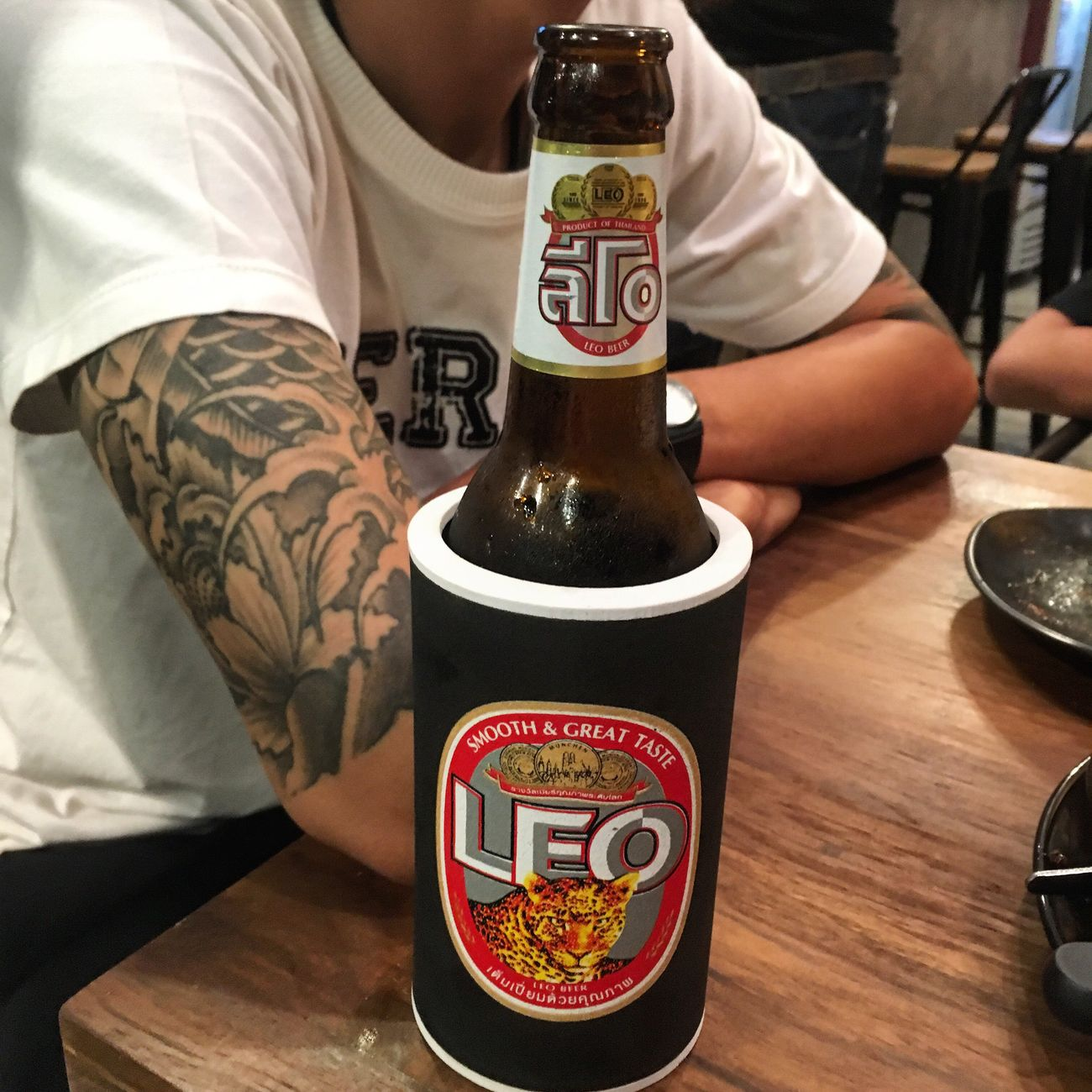 เย็นอารมณ์🍻 Beer Leo Thailand Chillaxing Joy Last Night