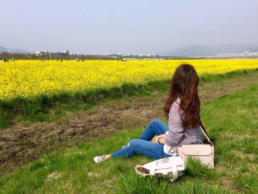 Taking Photos Enjoying The Sun Sitting Yellow Flower RapeFlowers It's Me Holiday Showcase April IPhoneography