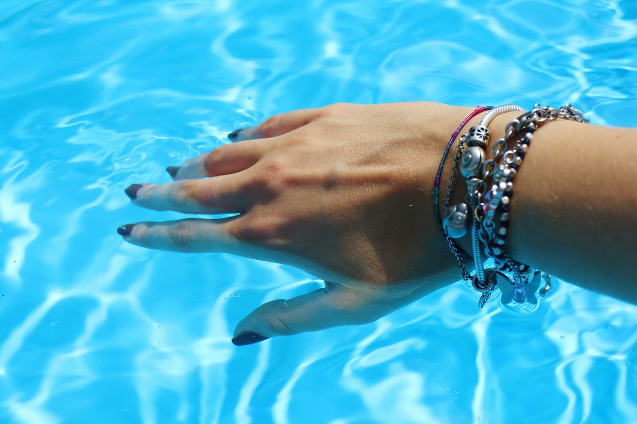 REFRESH... Hello World Colors Italia Italy Hand Water Water Reflections Cool Myself Me Girl Light Sun Sunshine Taking Photos Getting Inspired Freshness Fresh Blue Blue Wave Summer Summertime Swimming Pool Reflection