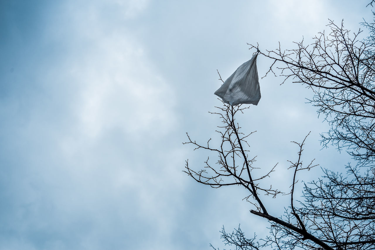Plastic Bag Clouds Sky No People Outdoors Street Things I See Fragments Of Life