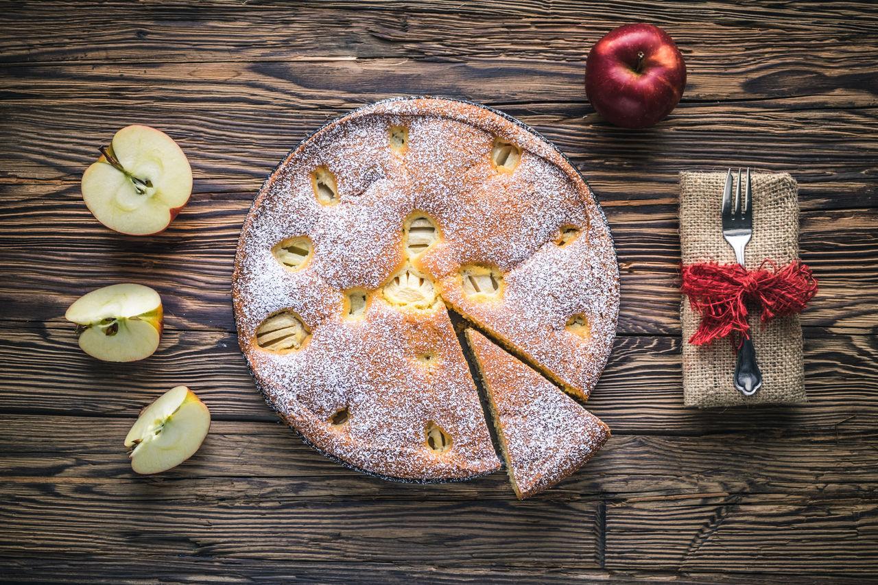 Apfelkuchen Apfelkuchen  Applepie Apples Fresh Freshly Baked Homemade Food Sweet Food Wood - Material