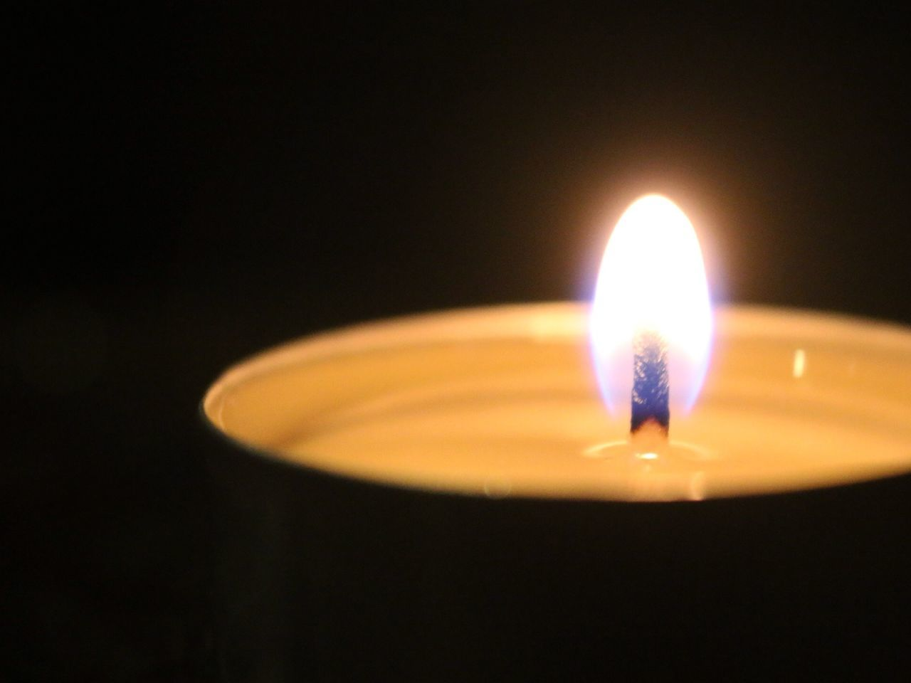 Close up image of a candle