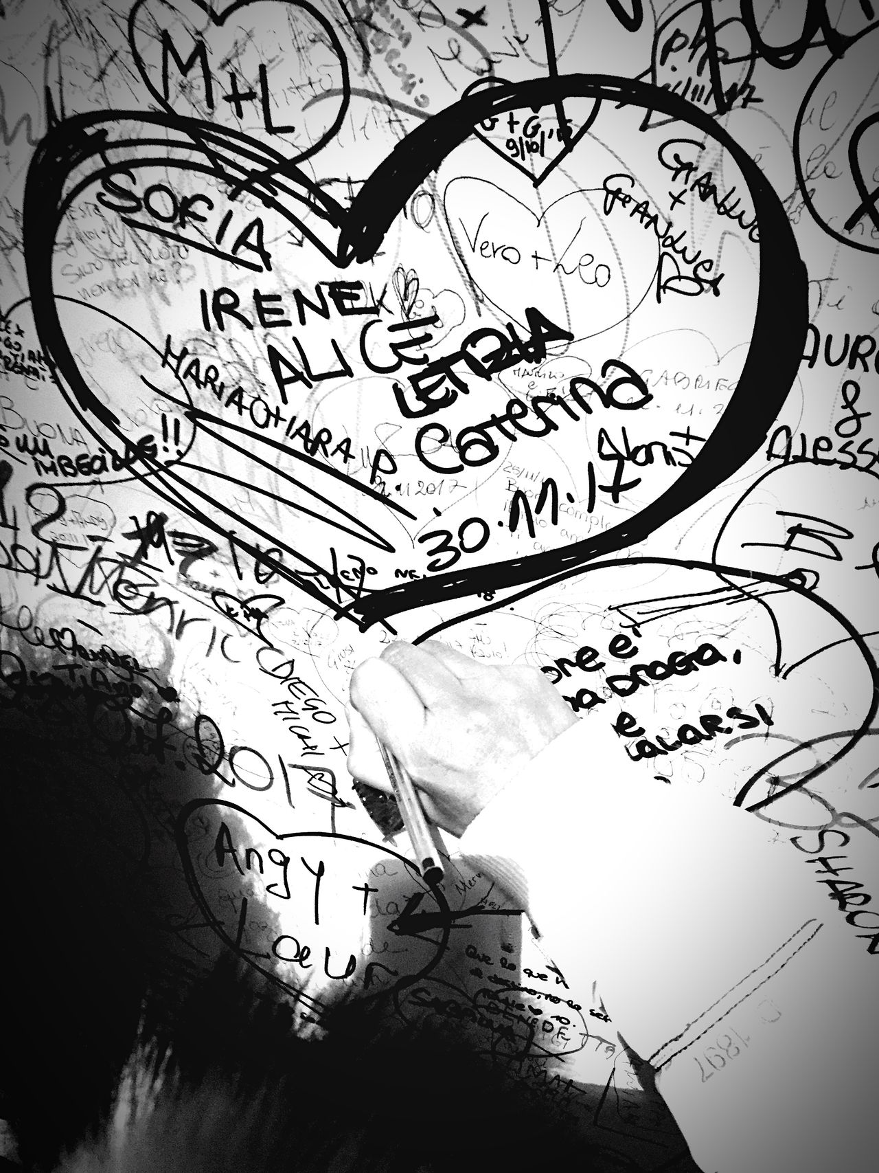 Pen Daytime Black And White Heart People Photography People And Places People Watching Handmade For You Handmade Written Write Something About You Writer Writing Writing On The Walls Message Message To The World Fromitalywithlove Wall Art Romeo And Juliet Romeo And Juliet Wall Decoration Wall Painting Wall Art Wall Sketch Low Angle View No People
