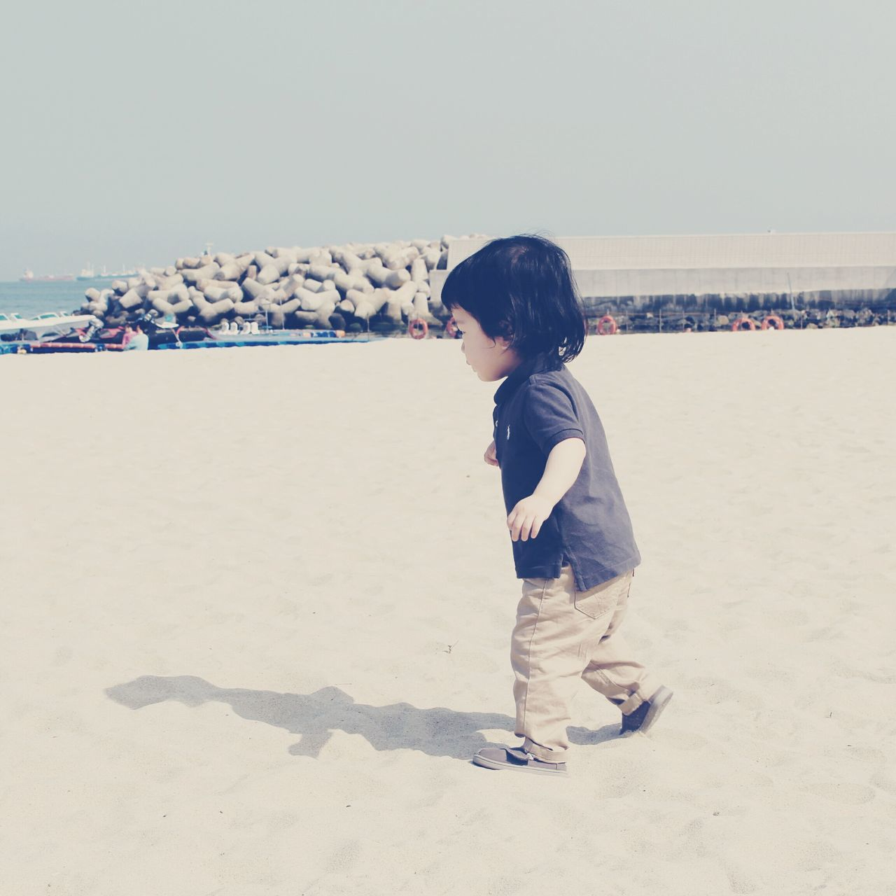 Beautiful stock photos of kinder,  2-3 Years,  Beach,  Beauty In Nature,  Casual Clothing