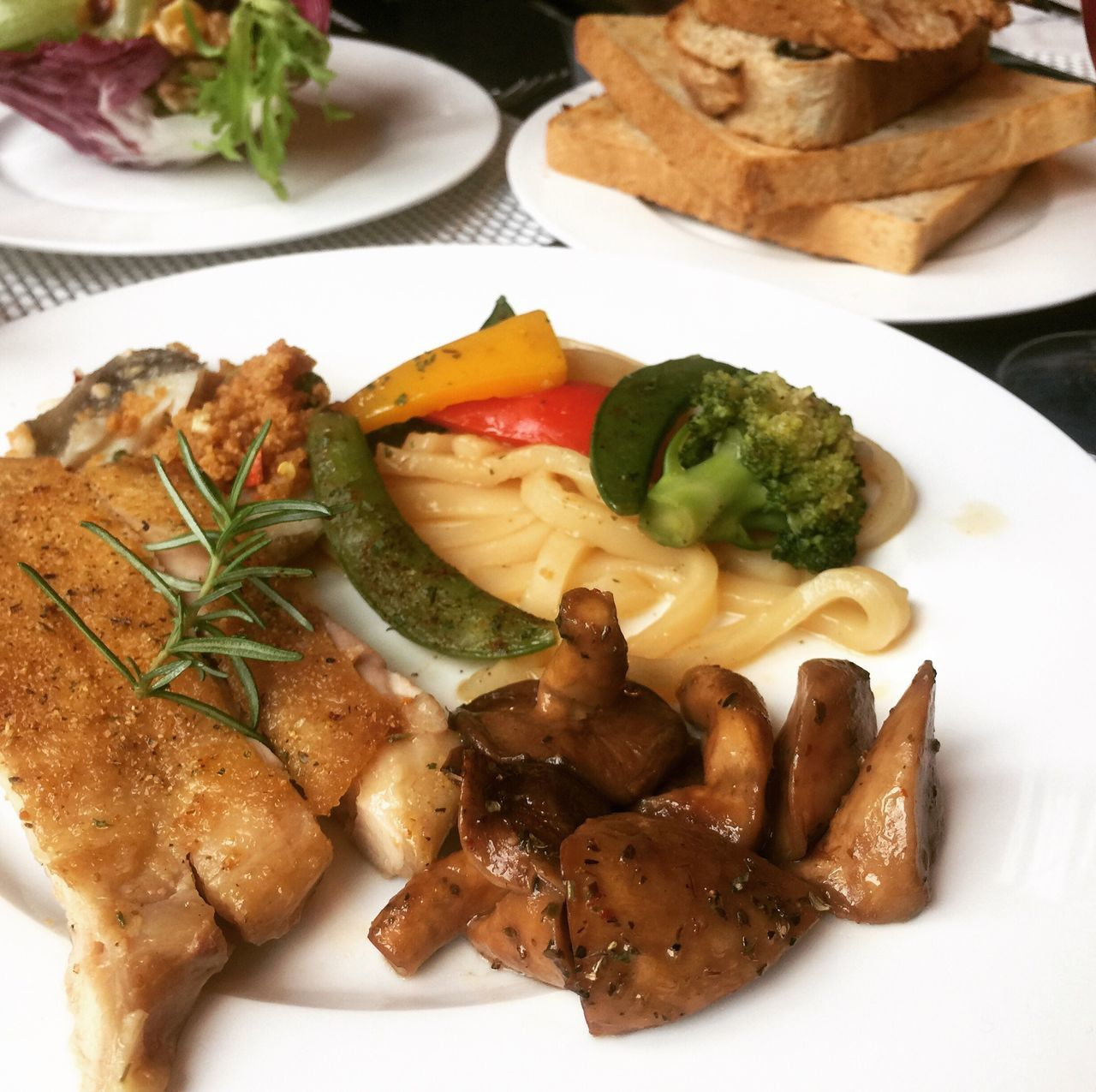 plate, food and drink, food, ready-to-eat, freshness, vegetable, healthy eating, indoors, serving size, no people, indulgence, meat, close-up, day