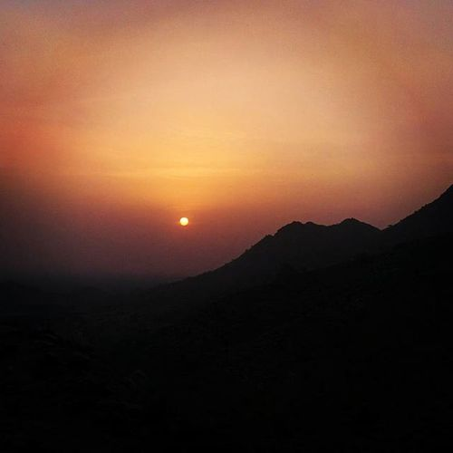 """With every step I took,I found my resolve breaking into beads of sweat. And then amidst the cacophony, echoed a mellifluous voice giving me the strength to go on"" Pushkardiaries post 5 Trek Sunset"