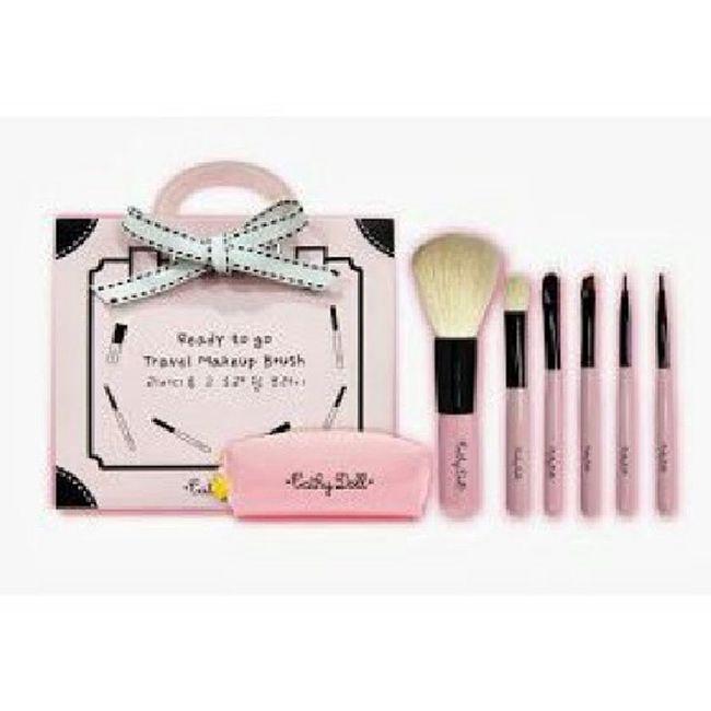 Include: 1 x Small Pink Pouch 1 x Blusher Blush 1 x Eye Shadow Blush (Small) 1 x Eye Shadow Blush (Big) 1 x Eye Brow Blush 1 x Eye Liner Blush 1 x Lip Stick Blush WA:0137471749 Sayajual Visitmyig Visitig Cathydoll iklanig