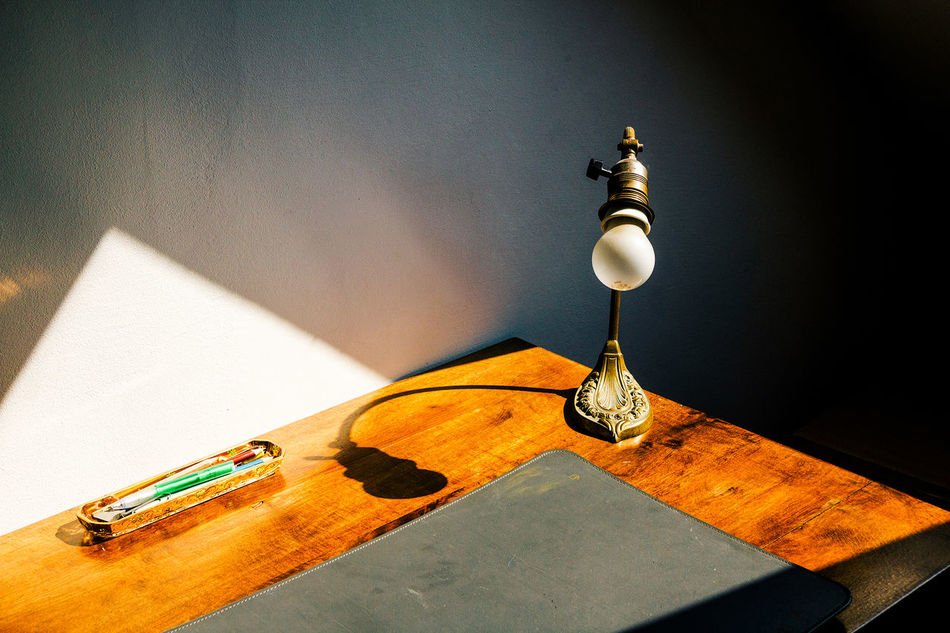 Beautiful stock photos of vintage, Day, Desk, Desk Lamp, Indoors