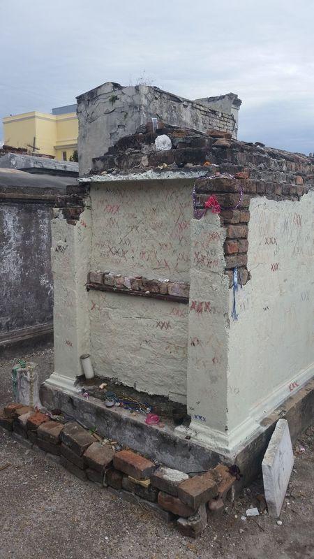 Marielaveau Crypt Voudoun Queen