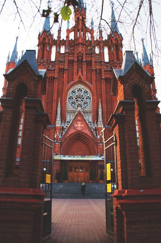 Russia Taking Photos From Russia With Love Colors Gothic Church Gothic Other Perspectives XXI  Wall In The City What I See Moscow City Architecture 21 Century Walking Gothic Architecture Walking Around Roman Catholic Church Roman Catholic Cathedral