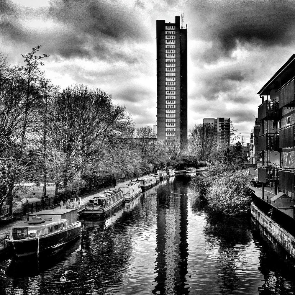 Blackandwhitephotography London Blackandwhite Cloud - Sky Blackandwhitechallenge River Trellick Tower