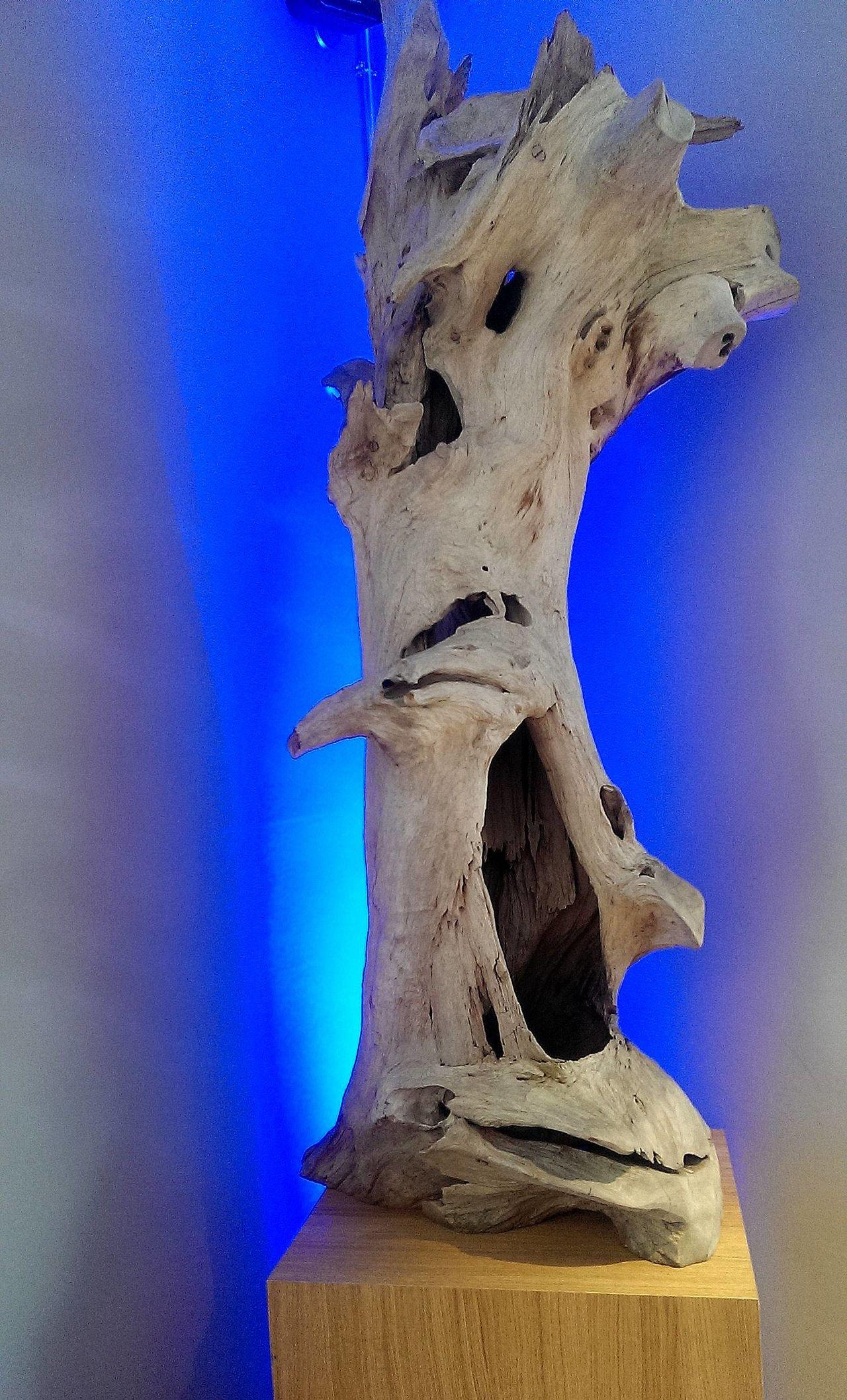 Blue Inspiration Log Podest Sculpture Sculpture Tree Tree Trunk