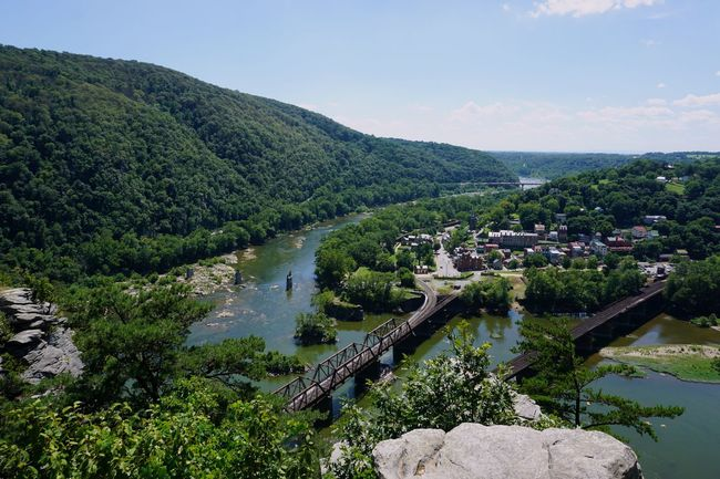 Top of the trail Hiking Hikingadventures Hiking Trail Hiking Adventures Hiking❤ View From Above View Scenic View Scenic Scenics Top Of The Rock Top Of The World Harpersferry End Of The Trail Enjoying Life Workout Landscape Blue Sky Maryland Overlooking West Virginia The Great Outdoors - 2016 EyeEm Awards The Journey Is The Destination