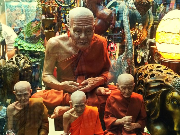 A meeting of the wise ones. Human Representation Store For Sale Statue Sculpture No People Close-up EyeEmNewHere EyeEm Best Shots Eyeem Market EyeEmBestPics See The World Through My Eyes Not Real People LifeLess Lifelike Popular Photos Popular Photo
