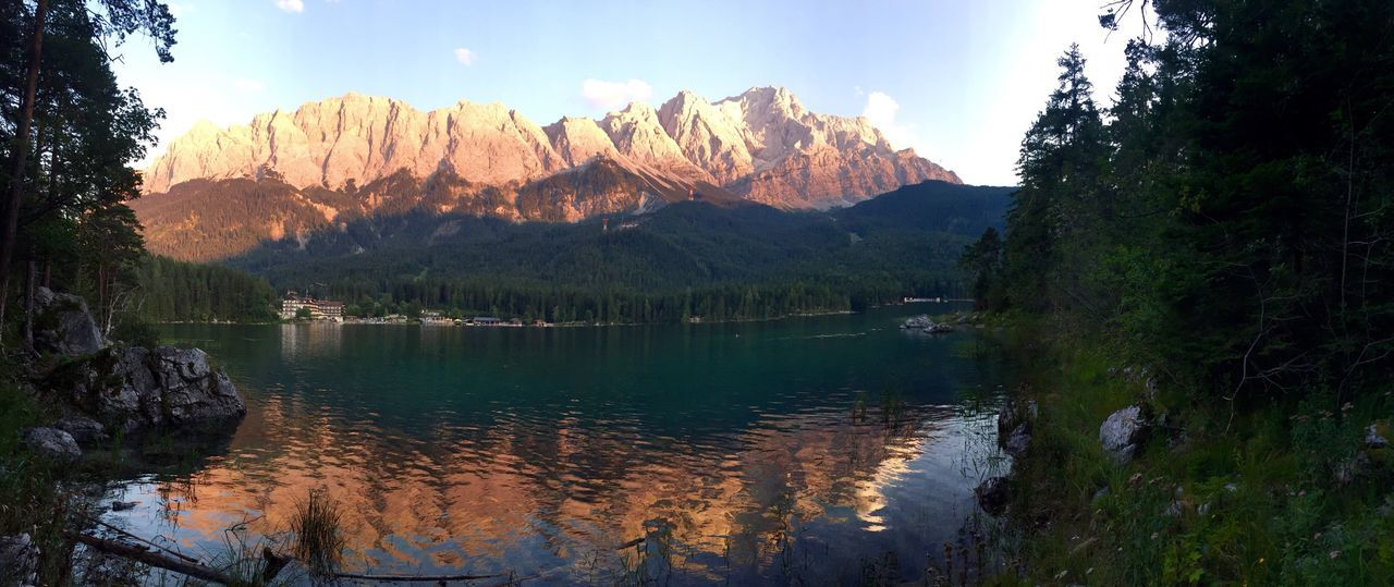 Alpenglühen Alpenpanorama Zugspitze Peace And Quiet Quality Time Beautiful Day Enjoying The Sun Nature Photography