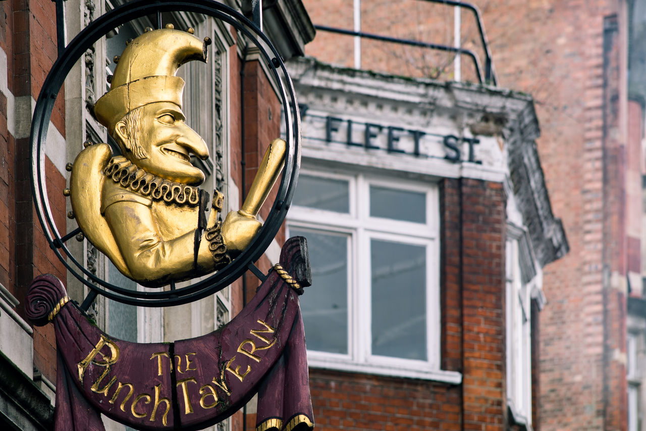 Architecture Building Exterior Built Structure Check This Out City Day Fleet Street GIN Gnome London London Lifestyle LONDON❤ No People Outdoors Plague Signboard Sonyalpha Statue The Punch Tavern Tradition Finding New Frontiers EyeEm LOST IN London