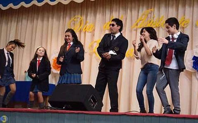 Buscando te encontré 👀✌ Papaaladeriva Actores Diversion Happy Instachile Cuartomedio CuentaRegresiva Quedapoco Show Meencanta