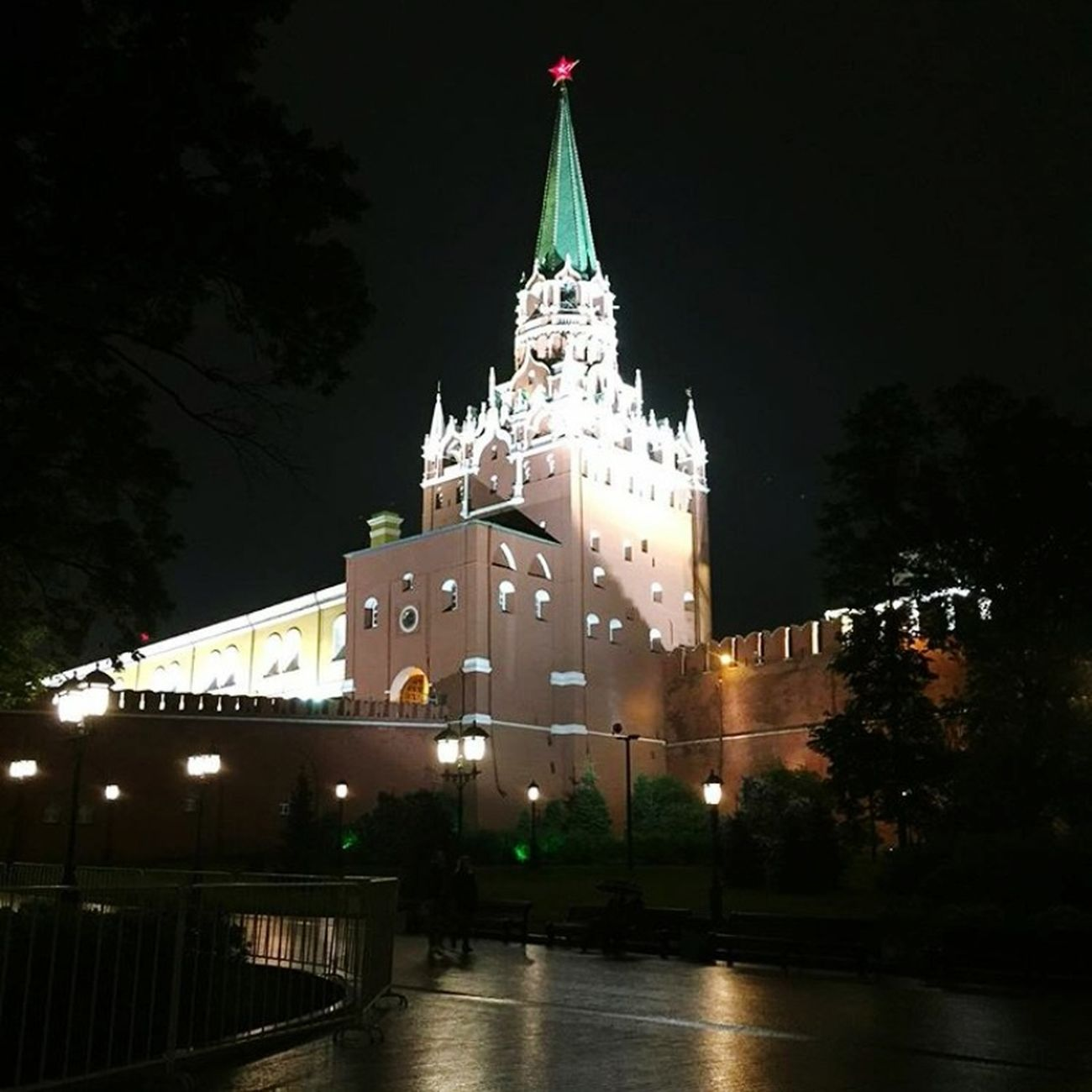 Nightphotography Manezhnaya Square The Kremlin First Eyeem Photo Okhotny Ryad Moscow Night Photography