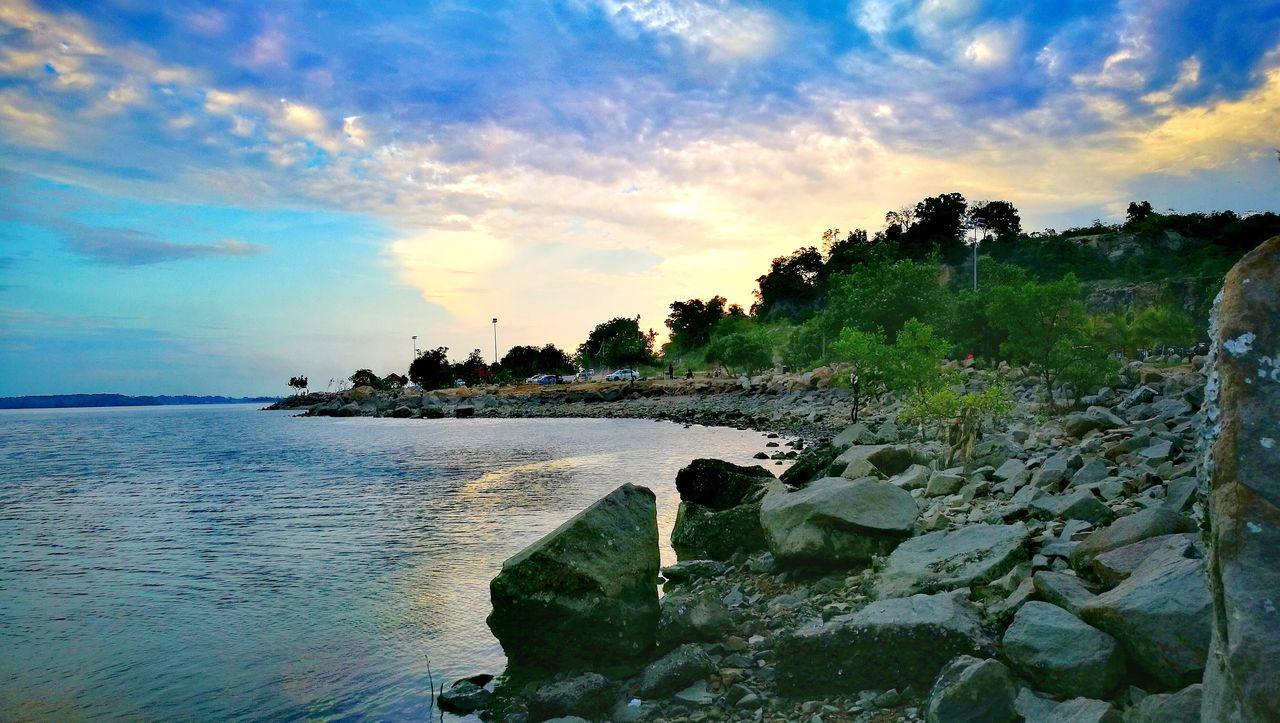 Pantai minyak beku