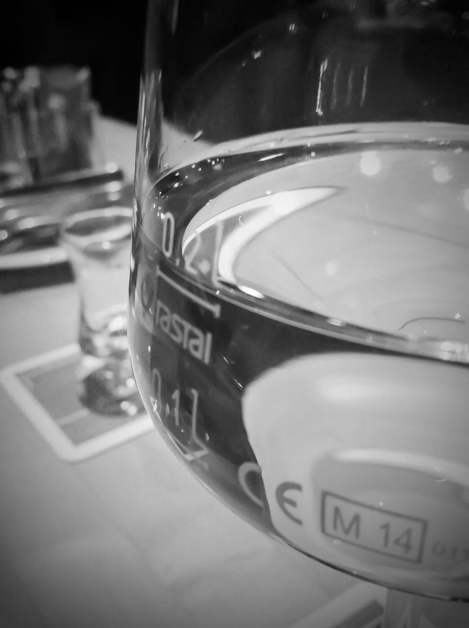 Close-up Wine Wine Moments Wineglass Whitewine Glass Bar Drink Drinking Drinks Drinking Glass Indoors  Restaurant Wineandmore Go Out Blackandwhite Black And White Black & White Blackandwhite Photography Black And White Photography