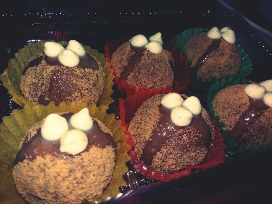 Munchkins Dessert Porn Dessertforacause Fighting Cancer
