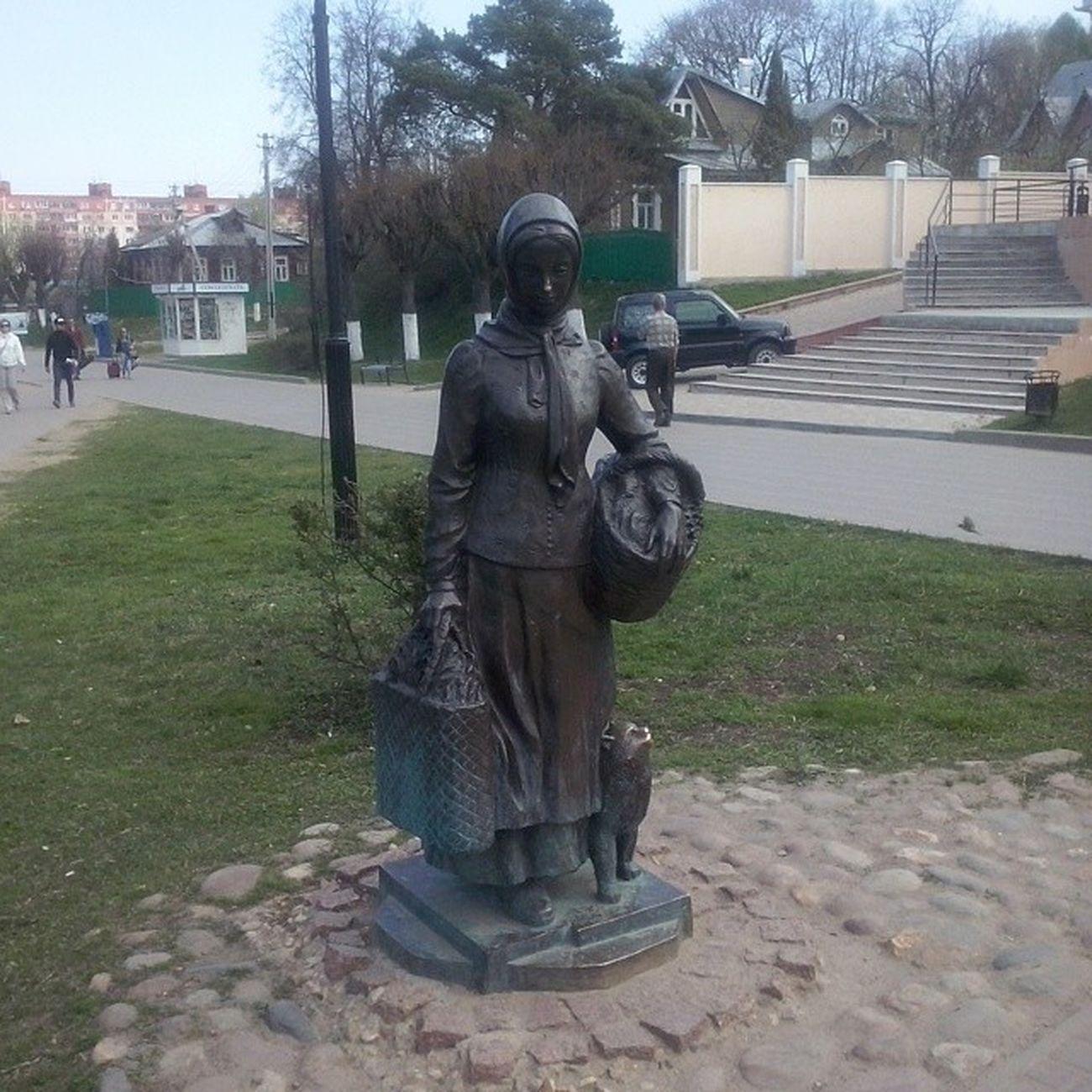Статуя кухарки