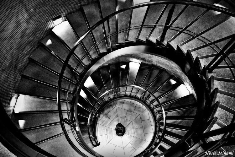 Staircase Steps And Staircases Spiral Spiral Stairs Architecture Week On Eyeem EyeEm Best Shots The Week On EyeEm EyeEmNewHere EyeEm Team Spiral Staircase Black And White Photography Blackandwhite Photography Blackandwhite Japan 螺旋階段 梅田 大阪 雨降りは屋内撮影で写欲を満たす😅