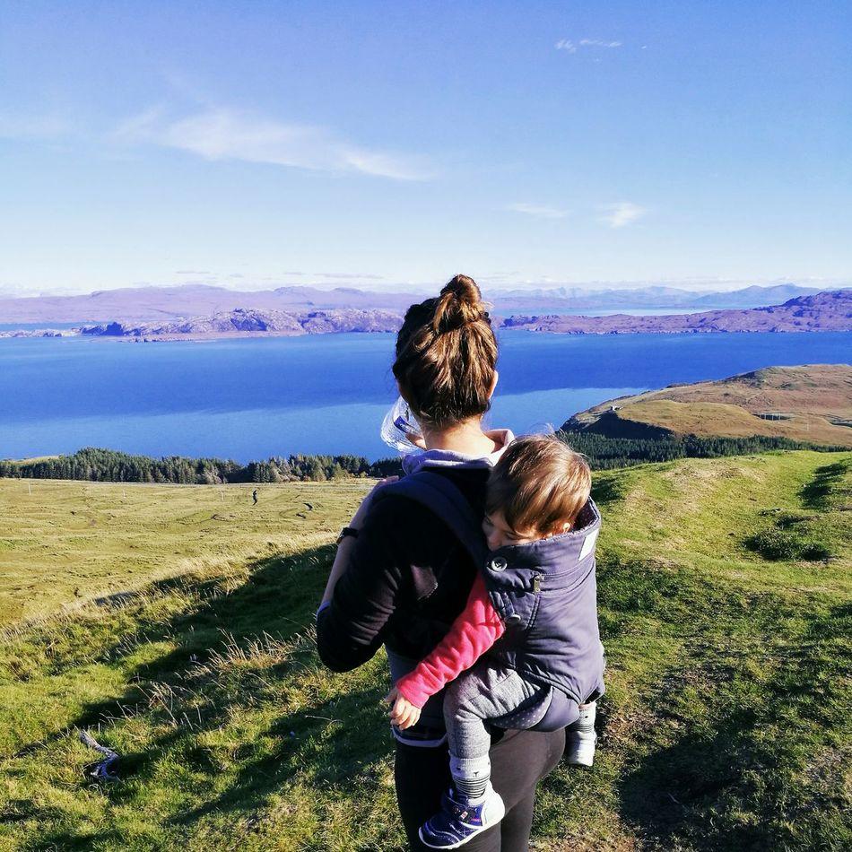 Hiking Adventures Ergobaby Toddler  Travel Photography Scotland IsleOfSkye Highlands