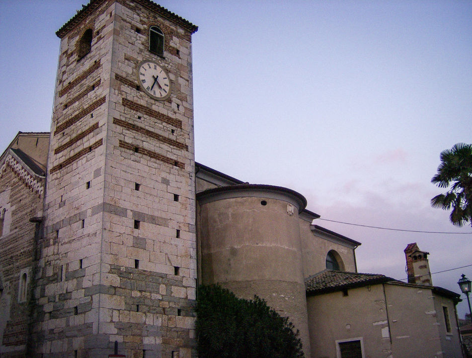 italia Architecture Architektur Architettura Building Exterior Built Structure Chiesa Church Clear Sky Day Eglise Iglesia Italia Italie Italien Italy Italy❤️ Italy🇮🇹 Kirche Low Angle View No People Outdoors Sky Tower Water Tower - Storage Tank Worship