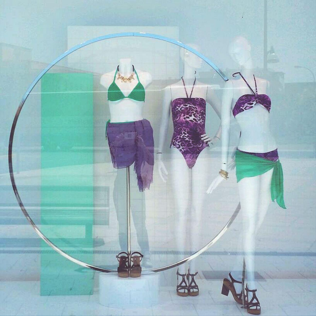 Window Escaparate Moda Tendencias #mujer #baño #verano #énfasis